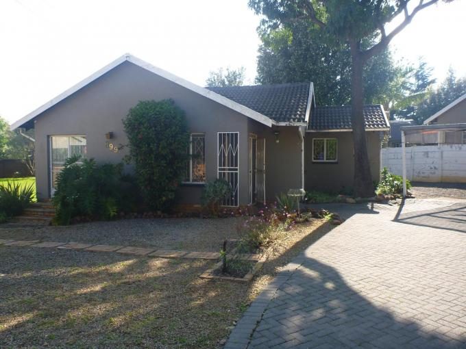 2 Bedroom House for Sale For Sale in Strubensvallei - Private Sale - MR121473