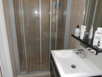 Main Bathroom - 5 square meters of property in Greenstone Hill