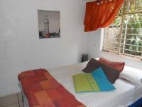 Bed Room 1 - 33 square meters of property in Sinoville