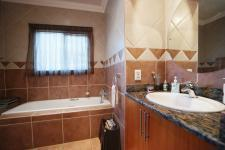 Bathroom 1 - 8 square meters of property in Woodlands Lifestyle Estate