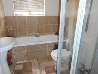 Main Bathroom - 5 square meters of property in Brakpan