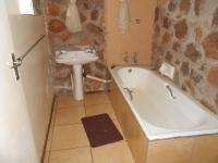 Bathroom 3+ - 5 square meters of property in Roodeplaat