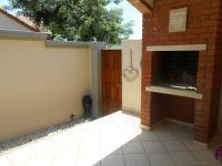 Patio - 13 square meters of property in Faerie Glen