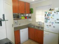 Kitchen - 10 square meters of property in The Reeds