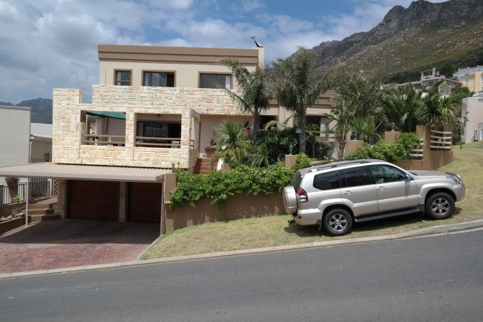 3 Bedroom House for Sale For Sale in Gordons Bay - Private Sale - MR121640