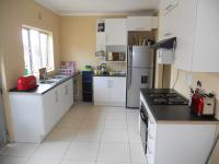 Kitchen - 9 square meters of property in Avoca Hills