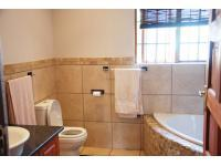 Main Bathroom - 14 square meters of property in Cullinan