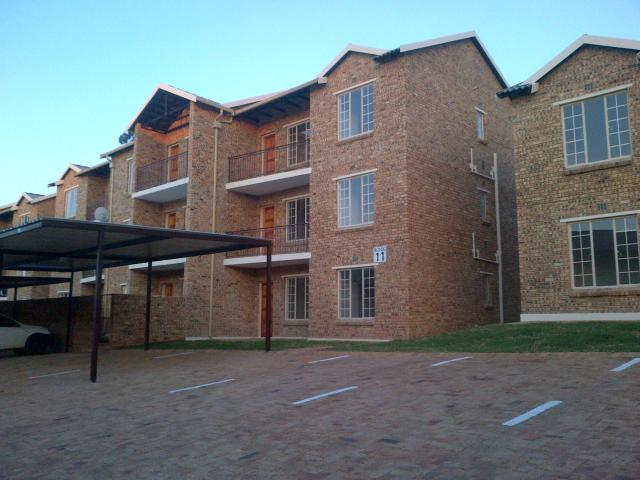 2 Bedroom Apartment for Sale For Sale in Kempton Park - Private Sale - MR121691