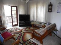 Lounges - 27 square meters of property in Reservior Hills