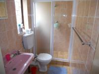 Bathroom 1 - 4 square meters of property in Reservior Hills