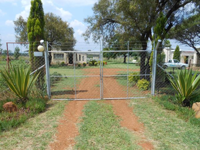 3 Bedroom House for Sale For Sale in Onderstepoort - Home Sell - MR121709