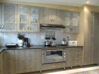 Kitchen - 16 square meters of property in Manufacta