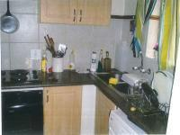 Kitchen - 14 square meters of property in Die Hoewes