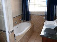 Bathroom 1 - 8 square meters of property in Faerie Glen