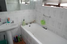 Main Bathroom of property in Kensington - CPT