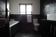 Bathroom 2 - 6 square meters of property in Six Fountains Estate