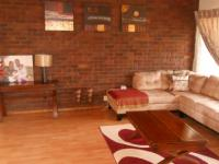 Lounges - 24 square meters of property in Sunward park