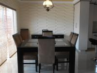 Dining Room - 16 square meters of property in Sunward park