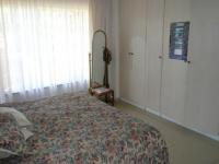 Main Bedroom - 21 square meters of property in Constantia Glen
