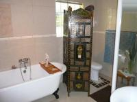 Main Bathroom - 13 square meters of property in Constantia Glen