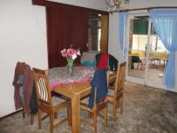 Dining Room - 17 square meters of property in Sinoville