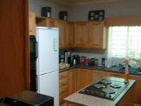 Kitchen - 14 square meters of property in Sinoville