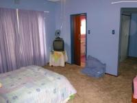 Main Bedroom - 20 square meters of property in Sinoville