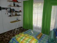 Bed Room 1 - 14 square meters of property in Sinoville