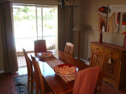 Dining Room - 16 square meters of property in Constantia Glen
