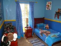 Bed Room 2 - 17 square meters of property in Constantia Glen