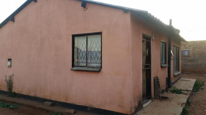 Standard Bank EasySell 2 Bedroom Cluster For Sale in Vosloorus - MR122245