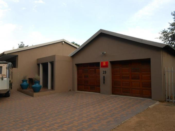 4 Bedroom House For Sale in Sasolburg - Home Sell - MR122385