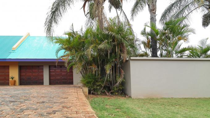 Standard Bank EasySell 3 Bedroom Duet for Sale For Sale in Faerie Glen - MR122460