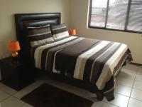Main Bedroom of property in Uvongo