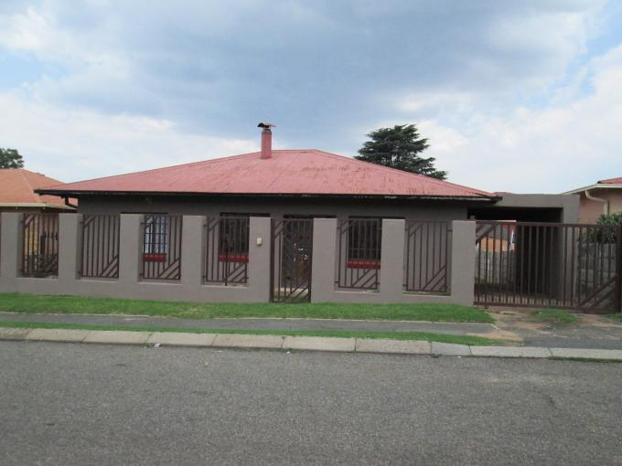 3 Bedroom House For Sale in Randburg - Private Sale - MR122530