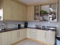 Kitchen - 18 square meters of property in Randburg