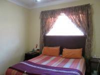Main Bedroom - 13 square meters of property in Randburg