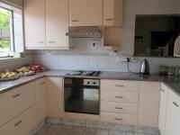 Kitchen - 13 square meters of property in Strubenvale