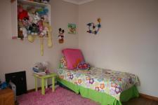 Bed Room 1 - 15 square meters of property in Moreletapark