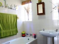 Bathroom 1 - 7 square meters of property in Glenmarais (Glen Marais)