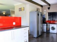 Kitchen - 13 square meters of property in Glenmarais (Glen Marais)