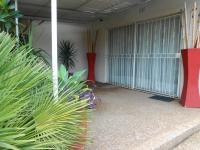 Patio - 9 square meters of property in Pretoria Gardens