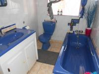 Main Bathroom of property in Pretoria Gardens
