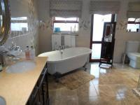 Main Bathroom - 13 square meters of property in Boksburg