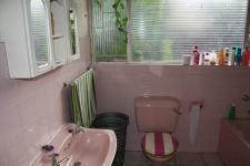 Bathroom 1 - 12 square meters