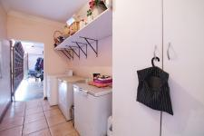 Scullery - 2 square meters of property in Woodhill Golf Estate