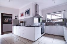 Kitchen - 41 square meters of property in Silver Lakes Golf Estate