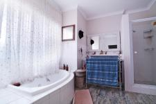Main Bathroom - 22 square meters of property in Silver Lakes Golf Estate