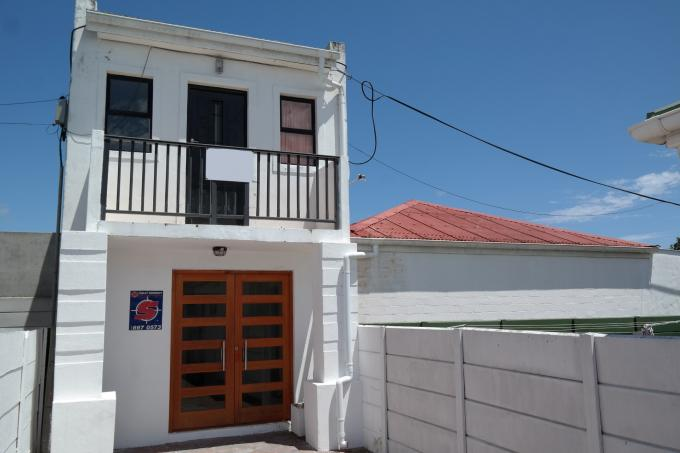 5 Bedroom House For Sale in Rondebosch   - Private Sale - MR122764