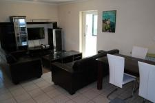 Lounges - 16 square meters of property in Rondebosch